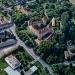 Schloss Orth und historisches Gartenareal mit Schule, Foto von 1990